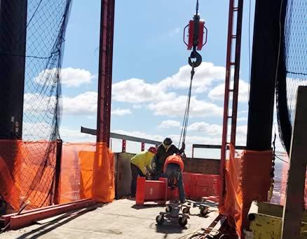 Hoists at the Vanderbilt construction site - CMF